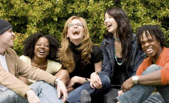 people-laughing-3-710x434